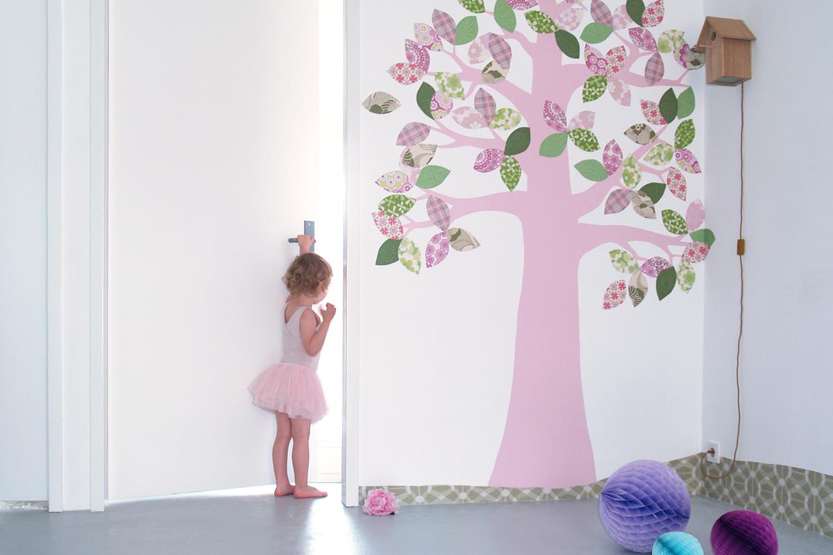 Behang Babykamer Utrecht : Behangfiguren behangbomen vogelhuislamp en andere originele